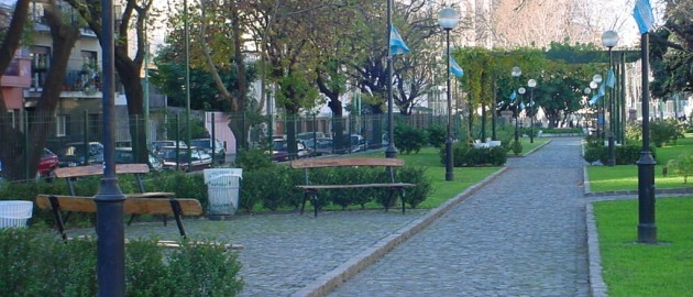 Plaza Rojas y Bacacay 2