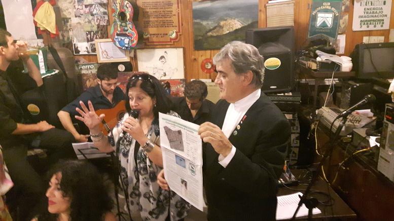 Toto Evangelista y Marina Bussio, haciendo referencia al Día de Caballito