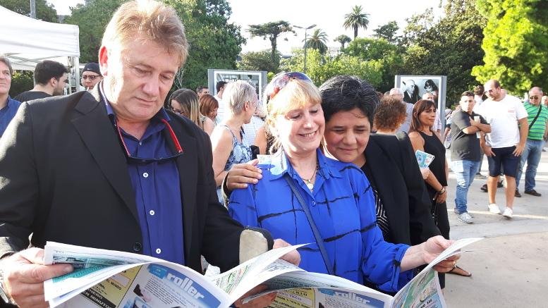 """""""Horizonte la Revista de Caballito"""" repartió ejemplares de su última edición."""