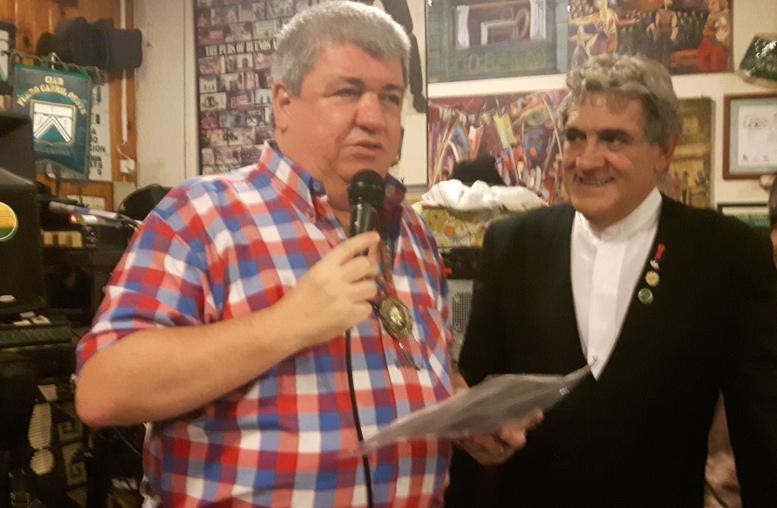 Ricardo Pedace recibe su reconocimiento