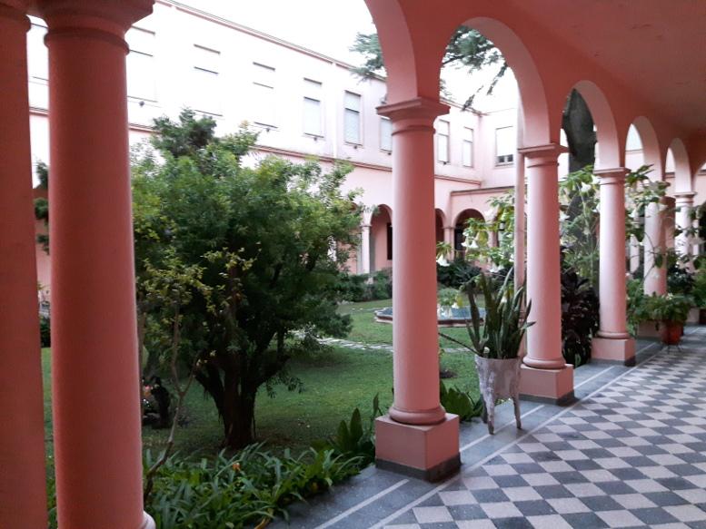 En la parroquia El Buen Pastor, los visitantes pudieron ver el patio del antiguo Convento.