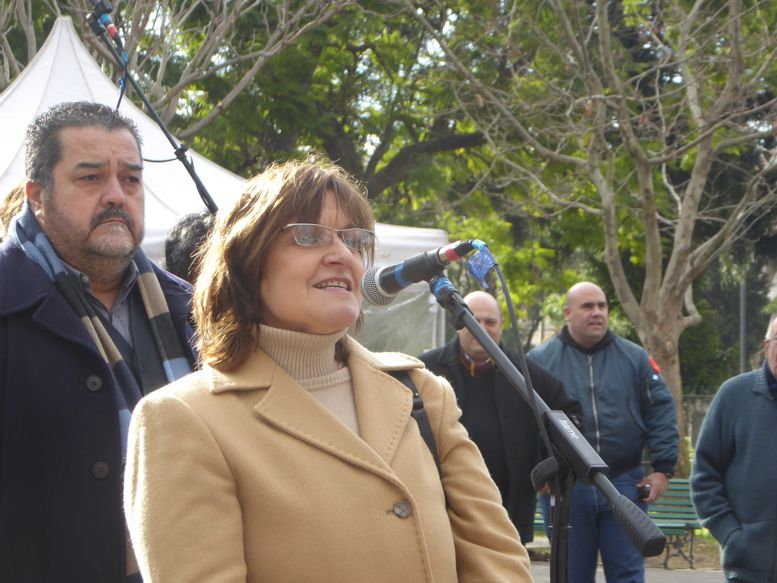 Profesora Silvia Garibaldi, directra del Colegio N°15 DE 7, se refirió a la figura del General Manuel Belgrano.