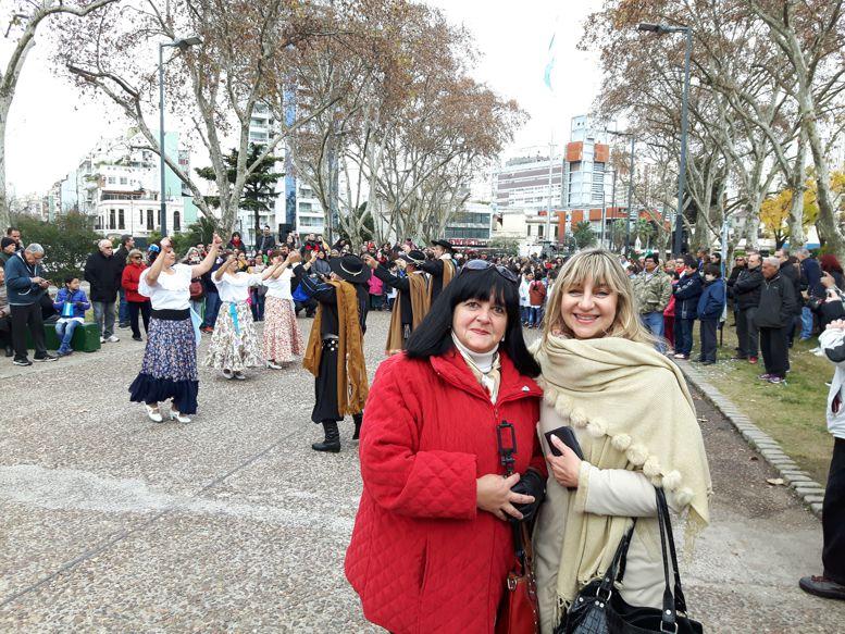 """Silvana Amato y Marina Bussio, del Rotary Club """"La Veleta de Caballito"""""""