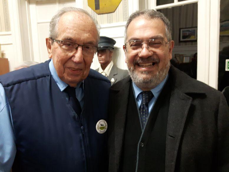 Aquilino González Podestá y Franklin Romero, presidentes anterior y actual de la AAT.