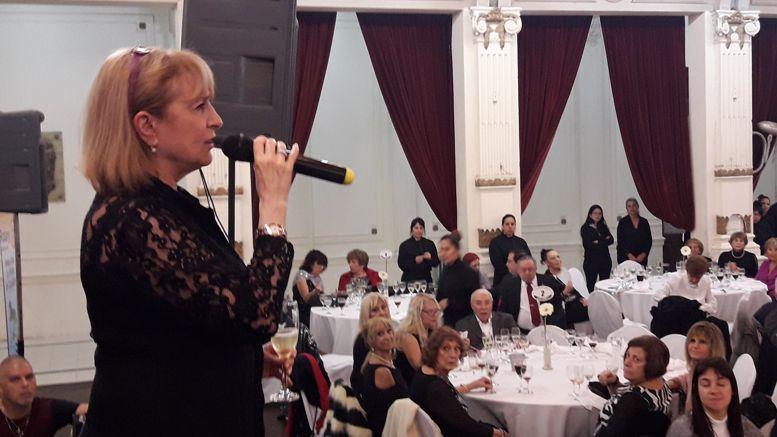 Susana Espósito durante su mensaje a los presentes