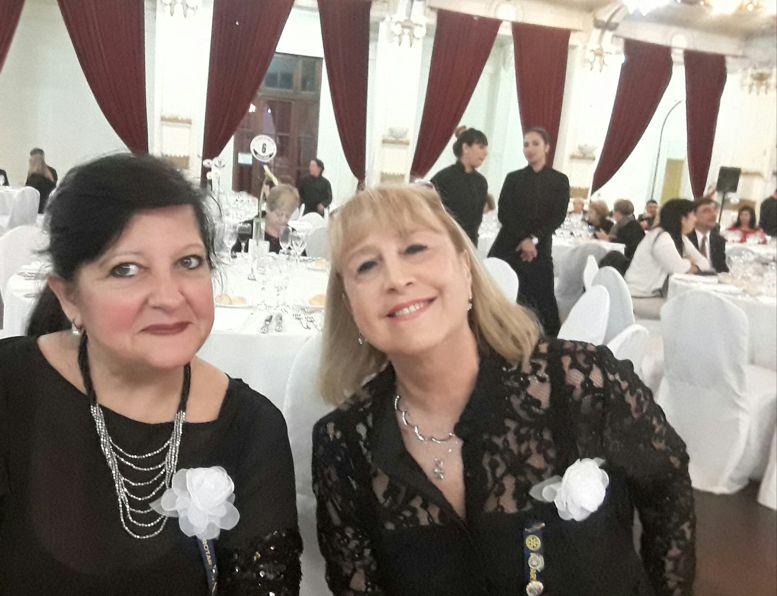 Susana Espósito y Marina Bussio, presidente y vicepresidente de Rotary Club La Veleta de Caballito