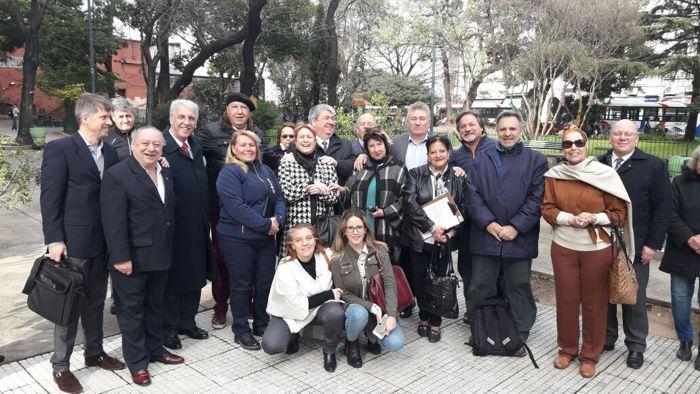 Integrantes de los clubes rotarios y vecinos.
