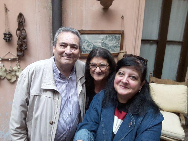 Arnaldo Goenaga y Marina Bussio, junto a Clelia.