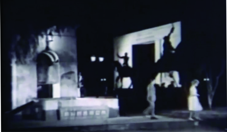Escena filmada en el Parque Rivadavia, juntoal Monumento a Bolívar