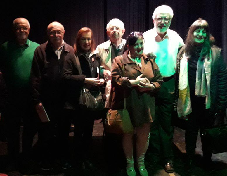 El autor con integrantes de la Junta de Estudios Históricos del Caballito y del barrio de Flores