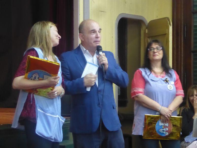 El historiador Eduardo Lazzari se refirió a la historia de colegio