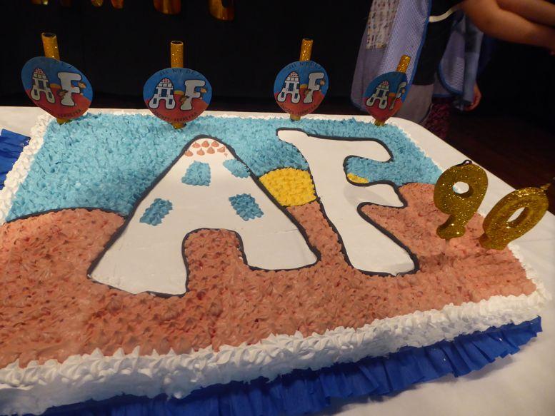La torta de los 90 años