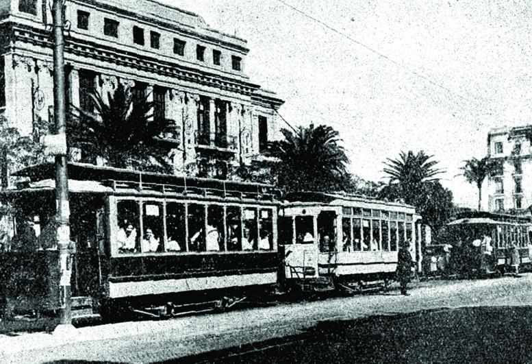 En la Escuela Normal N°4 nació el transporte escolar.