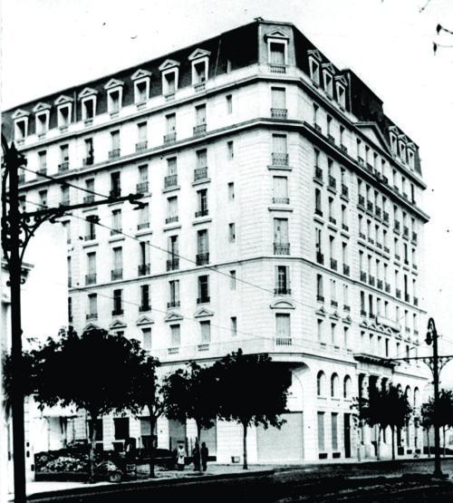 """El edificio """"Femenil"""" y su curiosa historia-"""