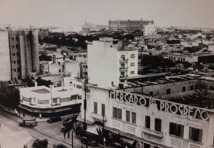 Rivadavia y Centenera, Mercado del Progreso.