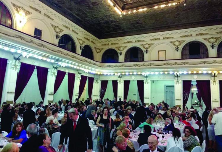 Salón Blanco del Club Italiano
