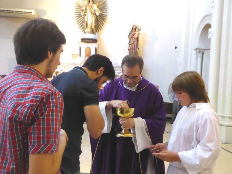 Las últimas comuniones en la parroquia Santa Julia