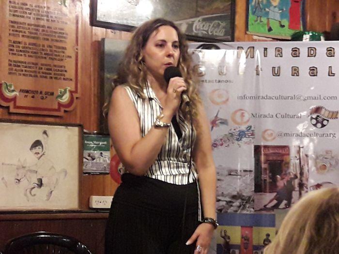 Brigitte Turri dio la bienvenida a Susana Rinaldi y se refirió a la nueva publicación.