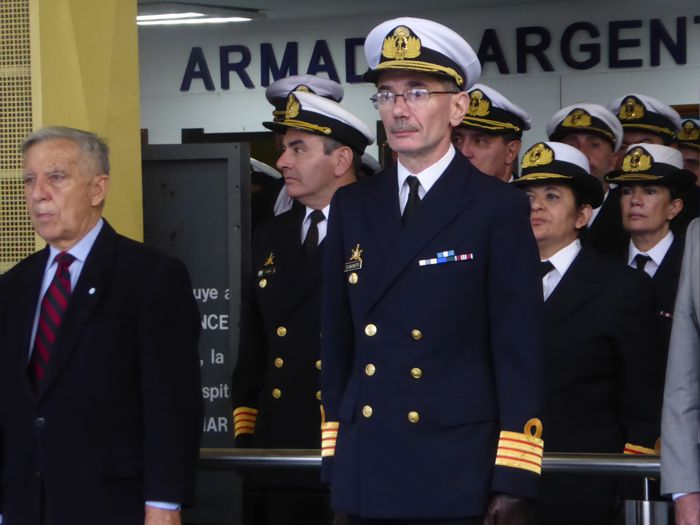 Director del Hospital Naval Capitán de Navío Médico Don Darío Sachetti.