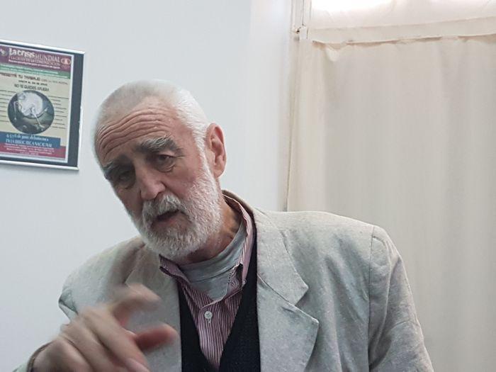 Andrew Graham-Yooll agradeció el reconocimiento y expresó su malestar por el momento que atravesando la profesión.