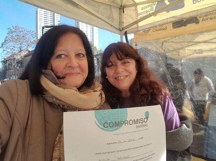Se entregaron diplomas por el Compromiso a las diferentes instituciones y ONGs que participaron.