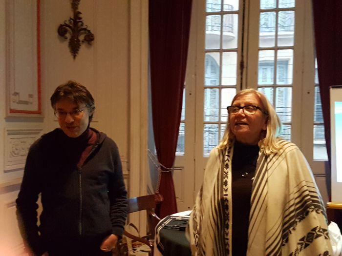 Nelly Pareja, presidemta de la Junta Central de Estudios Históricos de Buenos Aires, presentó al Lic. Leonel Contreras.