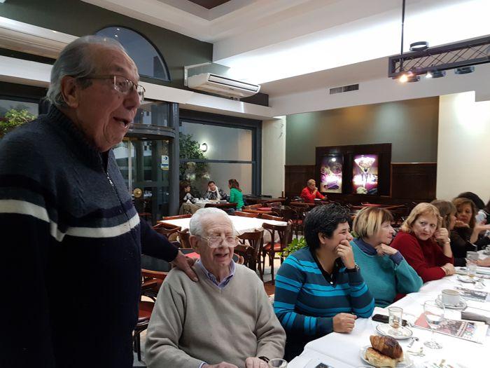 Aquilino González Podestá, presidente de Junta de Estudios Históricos del Caballito y fundador de la Asociación Amigos del Tranvía.