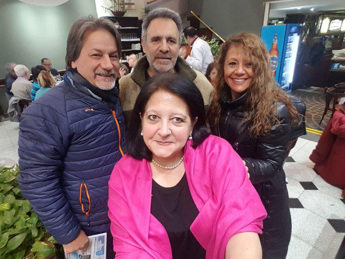 Con Marcelo Hotasegui, Sergio Mosquera y Viviana Reale, integrantes de la Cofradía de Caballito y de la Red de Cultura de Caballito.