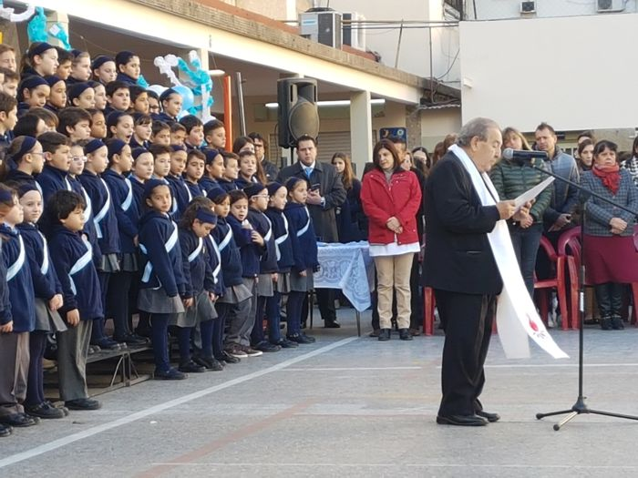 El Padre Raúl Perrupato bendijo a los presentes.