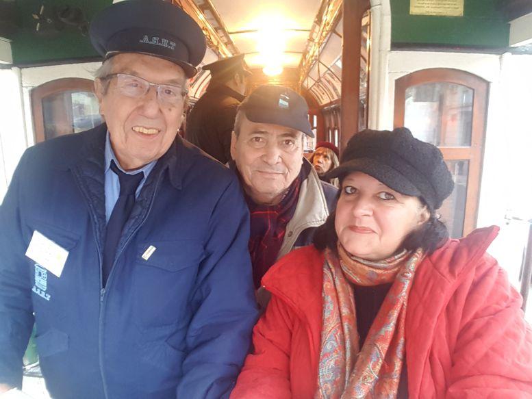 Las instituciones del barrio acompañaron a Aquilino González Podestá y la AAT. En la foto Arnaldo Goenaga y Marina Bussio, integrantes de la Red de Cultura y de Rotary Club.