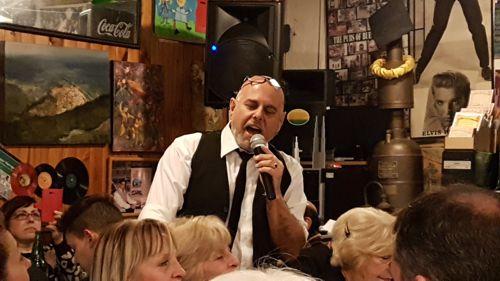 Claudio Puiszo le puso música al Día del Amigo