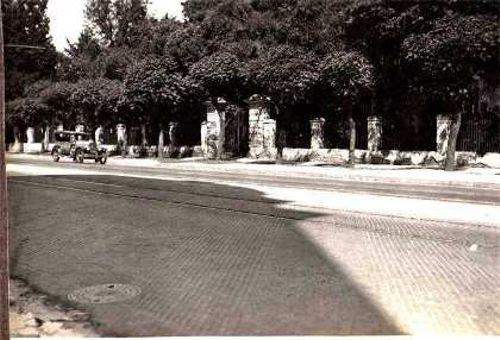 Antigua entrada a la quinta Lezica, hoy acceso principal al Parque.