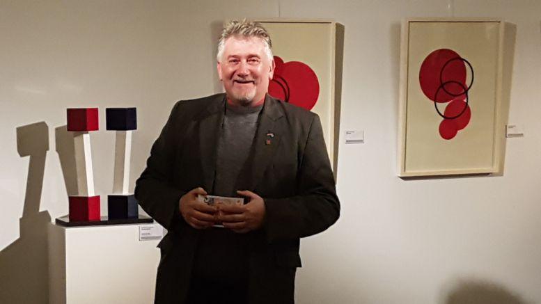 Darío Klehr, director del Museo, tuvo cálidas y emotivas palabras al presentar a María Eugenia.