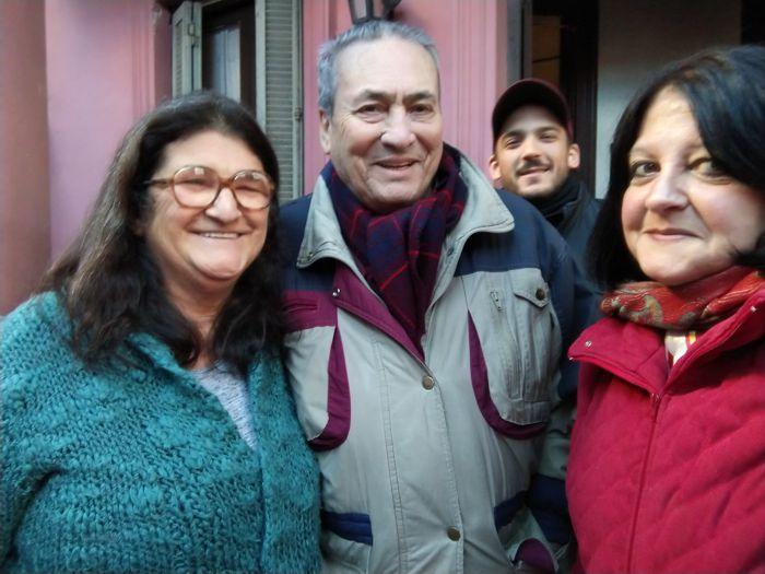 Clelia, junto a Arnaldo Goenaga (Periódico ABC) y Marina Bussio (Revista Horizonte) organizadores de la visita.