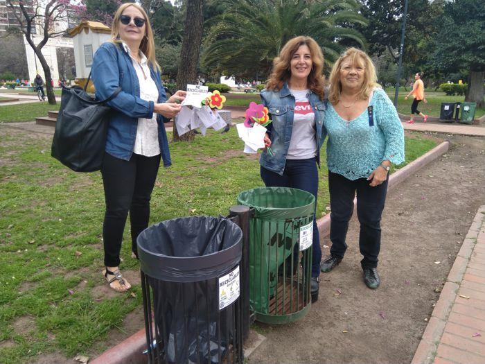 Stella Maris, Bibiana y Mirta sumando su trabajo.