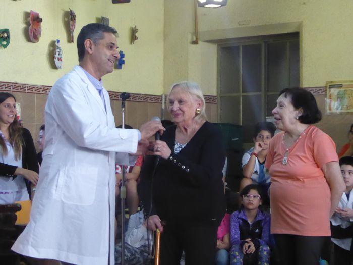 El director convocó a la exdocente Beatriz y a la exalumna María Inés.