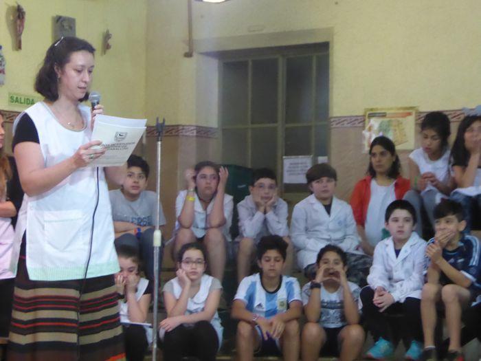 La Secretaria de la escuela se refirió a la figura de Joaquín V. González y también al compromiso y dedicación del personal docente.