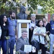 Los integrantes de la Asociación La Cofradía de Caballito junto a Hipólito Forno y Darío Klehr.