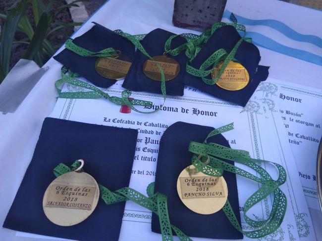La Orden de las 6 Esquinas entregada a varios vecinos.