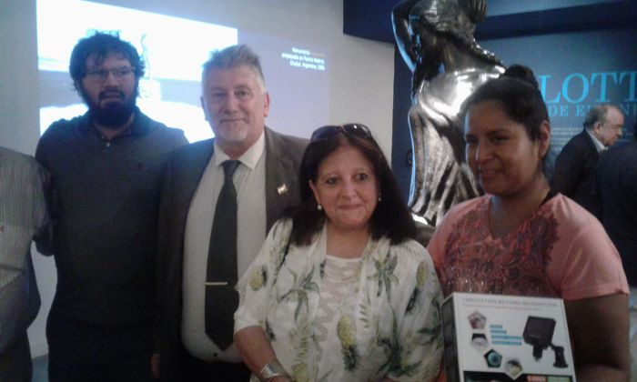 Estuvieron en el evento, Hipólito Forno, presidente de la Junta Comunal 6 y la Prof . María Eugenia Callamullo León, a cargo del área de restauración del Museo.