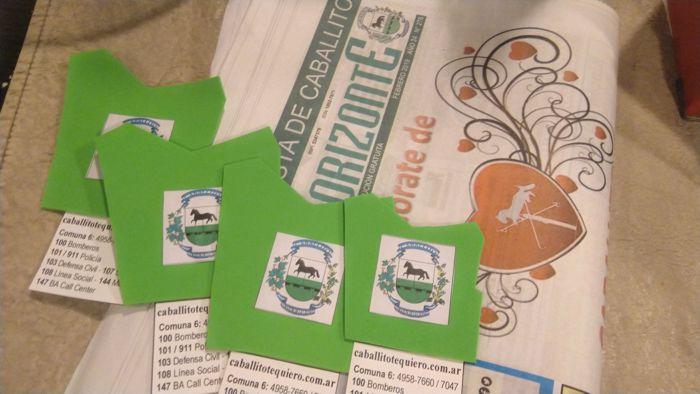 Se repartieron ejemplares de la Revista Horizonte y souvenirs con forma del plano de Caballito.