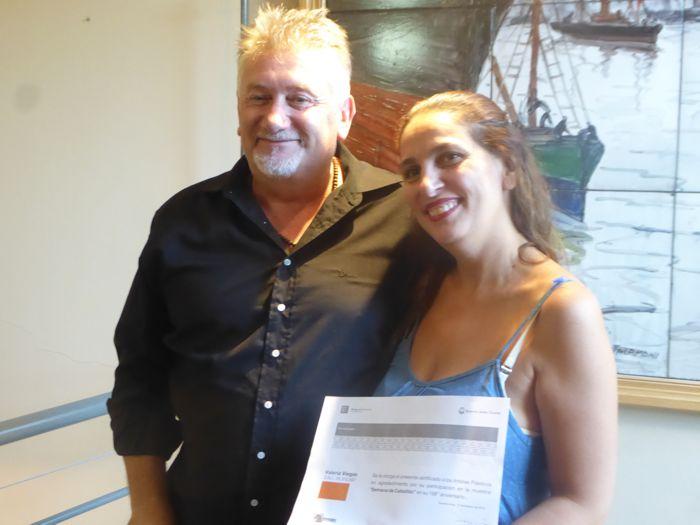 Todos los artistas expositores recibieron su diploma de reconocimiento.