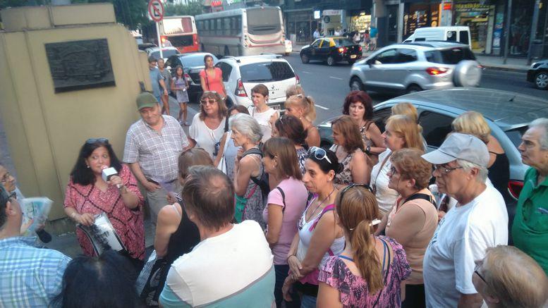 El recorrido concluyó con los últimos relatos en la Plaza Primera Junta.