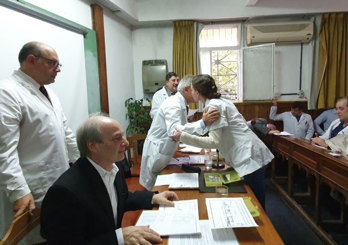 Entrega de Diplomas a médicos residentes.