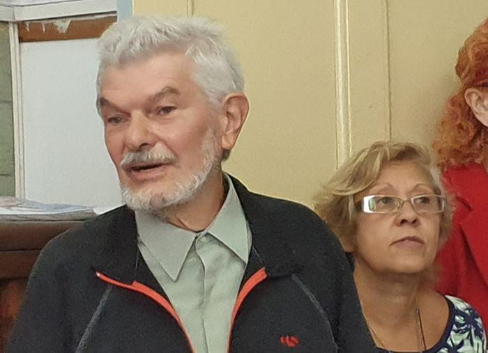 Profesor Roberto Gargiulo y Graciela Gallo de la Asociación Cooperadora.