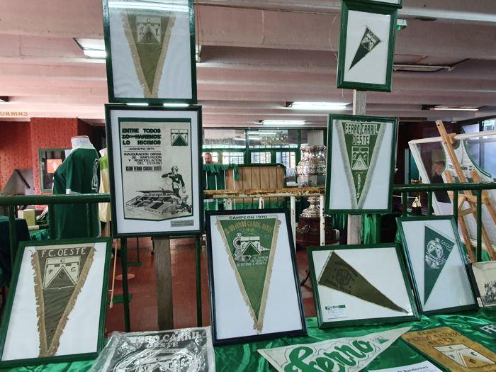 Banderines de diferentes épocas.