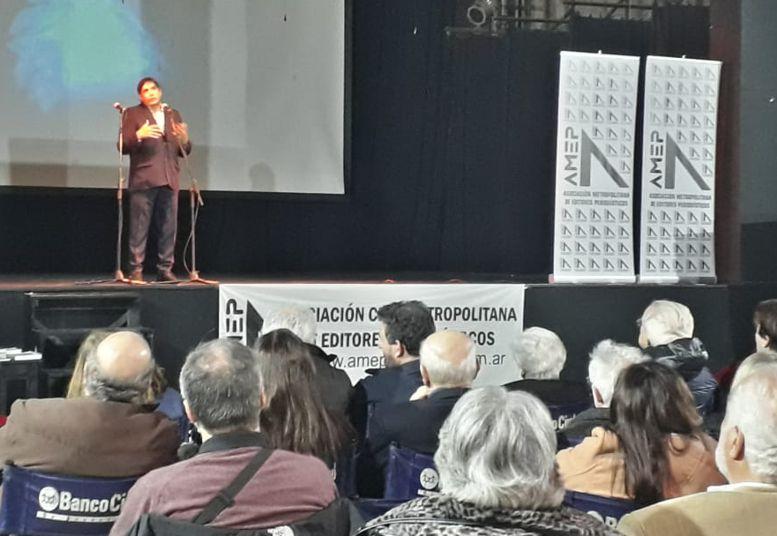 Mario Bruno, presidente de AMEP dio la bienvenida a los presentes.