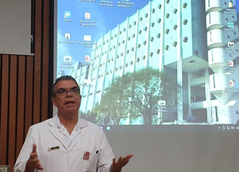 El director del Hospital Capitán de Navío Dr. Alberto Hugo Croci inauguró las 5tas Jornadas de Arte.