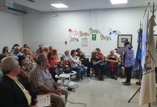 Charla Audiovisual sobre la Historia de Caballito en la sede de la Comuna.
