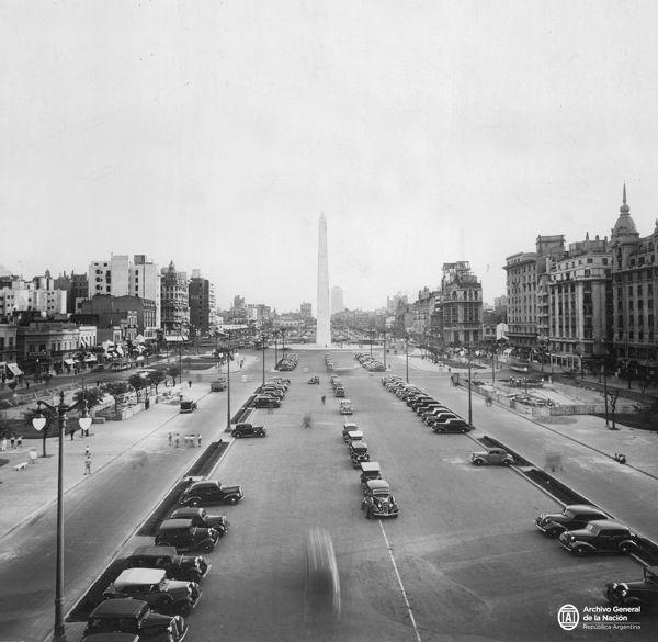 Primer tramo de la Av. 9 de Julio. 1936